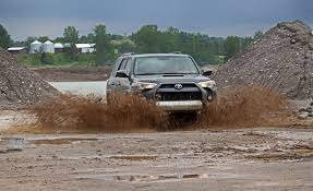 4runner 2017 toyota 4runner pictures photo gallery car and driver