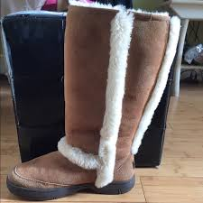 ugg s boots size 11 54 ugg shoes ugg sunburst boots size 9 from s