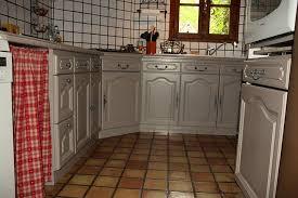 repeindre sa cuisine en blanc cuisine peinte en blanc chaios com