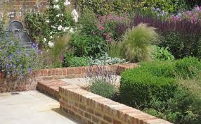 walled u2013 a modern country garden u201cwe wanted a contemporary look