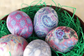 How To Decorate Boiled Eggs For Easter How To Dye Easter Eggs With Silk Ties