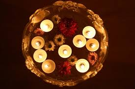 inexpensive floating candle centerpieces lots of ideas for your