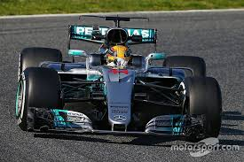 f1 test hamilton and mercedes top opening day