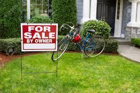 Haus Und Haus Immobilien Haus Zu Verkaufen Lizenzfreie Vektorgrafiken Kaufen 123rf