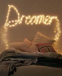guirlande lumineuse pour chambre 1001 bricolages et idées pour fabriquer une tête de lit lumineuse