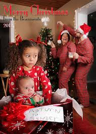 10 holiday greeting cards to inspire your next family photo