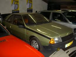 1984 renault fuego stand