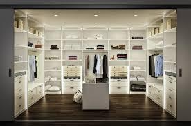 Wohnzimmerschrank F Kleidung Die Besten 25 Begehbare Kleiderschrankdimensionen Ideen Auf