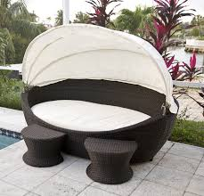 Hamptons Style Outdoor Furniture - hamptons resort style outdoor daybed