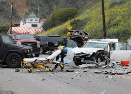 was bruce jenner texting before fatal car crash daily mail online