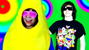how to make a banana costume for halloween banana cosplay crappy halloween costumes youtube