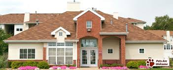 2 Bedroom Apartments In Bloomington Il by Brickyard Apartments Apartments In Bloomington Normal Il