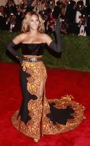 kate hudson wikifeet met gala best dressed jennifer lawrence kate hudson or sarah