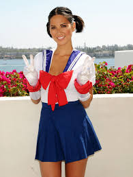 olivia munn in sailor moon cosplay halloween pinterest