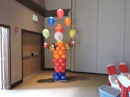 clowns balloons circus themed decor nwiballoons