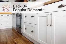 how do you clean kitchen cabinets without removing the finish best way to clean kitchen cabinets cleaning wood cabinets