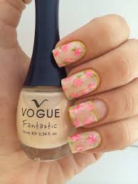 me ruborizo confetti neptuno esmaltes vogue beauty nails