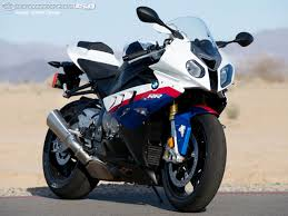 Bmw S1000rr Review 2013 2011 Bmw S1000rr Track Smackdown Photos Motorcycle Usa
