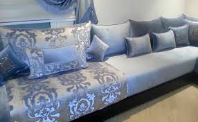 tissu pour canapé marocain salon marocain bleu ciel gris amenda decor salons marocains