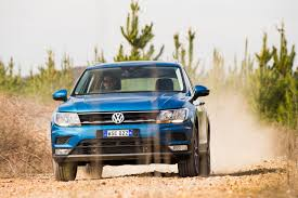 2017 volkswagen tiguan suv review towing claims explored