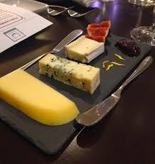 ardoise de fromage visite au restaurant la coupole cinq fourchettes
