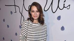 Seeking Cast Episode 1 One Tree Hill Alum Joins Grey S Anatomy Cast Tv Insider
