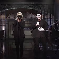 Maddie Chandelier Sia Sings U0027chandelier U0027 And U0027elastic Heart U0027 In A Mime Performance