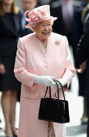 queen handbag queen uses her handbag to send secret signals to her staff daily