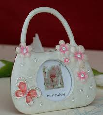 wedding gift online photo frame small bag crafted on resin and accentuated with
