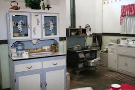 1940s kitchen cabinets 1940s kitchen design lovetoknow