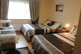 Bolands BB Dingle Bed And Breakfast Accommodation In Dingle - Family room bed and breakfast