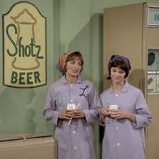 laverne u0026 shirley what a character pinterest tvs childhood