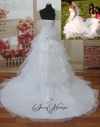 robe de mari e bicolore robe de mariee volant d organza robe de mariee avec une bretelle