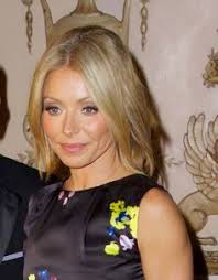 how does kelly ripa curl her hair kelly ripa liking this i saw it a little longer in front and