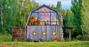 Gambrel Roof Barns Barn Living Meets Amazing Mountain Views In This Guesthouse Curbed