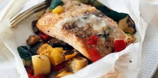 cuisiner un filet de saumon filet de saumon aux légumes grillés facile recette sur cuisine