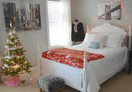 White Rattan Christmas Decorations by Christmas Decorated Bedrooms Light Brown Furry Rug Long Beige Shoe