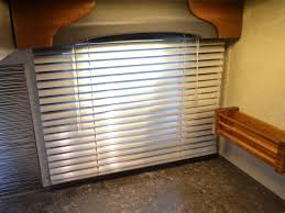 Rv Mini Blinds Lance 825 Truck Camper It U0027s No Wonder That The 825 Is One Of Our