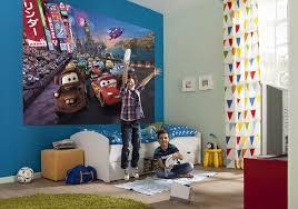 decoration chambre garcon cars déco chambre enfant poster cars le poster mural comme décoration