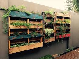 how to make a wall garden out of a pallet u2013 my home inspiration