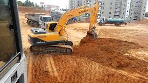 escavadeira hyundai 220 lc robex youtube