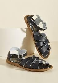 Images of Floral Saltwater Sandals