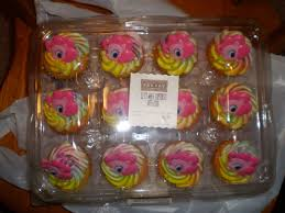 my pony cupcakes walmart now sells fim cakes and cupcakes mylittlepony