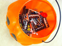 Halloween Candy Jars by What U0027s In Your Halloween Candy Jar