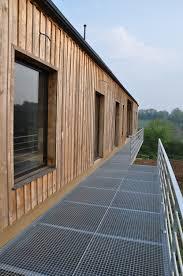 terrasse en bois suspendue agréable lames de terrasse en bois pas cher 12 nivrem terrasse
