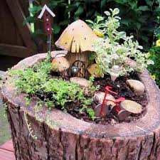 Pictures Of Tree Stump Decorating Ideas How To Recycle Tree Stumps For Garden Art And Yard Decorations