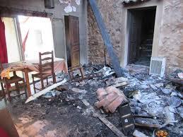 chambre d hotes entrecasteaux photos les flammes ravagent une habitation qui accueille des