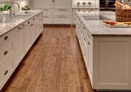 plancher cuisine bois modele de maison moderne 11 peinture meuble cuisine blanc et