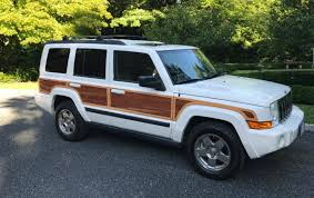 jeep commando custom at 9 995 does this 2007 jeep commander give you wood