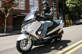 suzuki motorcycle review of the 2014 suzuki gw250 beginner motorcycle